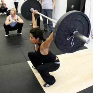 donna fa lo squat